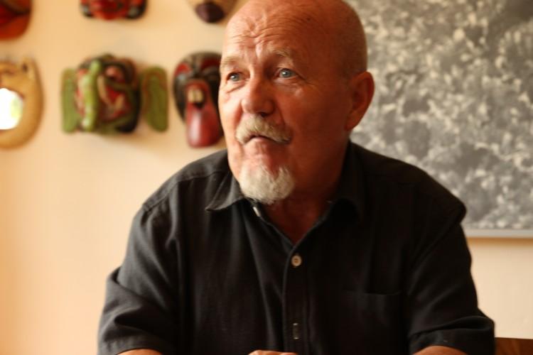 Rolf Monsen blir intervjuet av Skeivt arkiv sommeren 2014. Fotograf: Simon Mitternacht