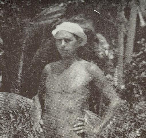 Portrett av Leiv Rovsing tatt på Bali, hentet fra hans egen bok I tropesol og måneskin : generkendelser af sindets oplevelser : et videnskabeligt bidrag til selverkendelsens psykologi.