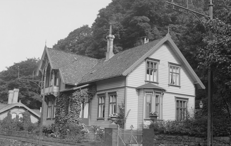 """Foreningshuset til """"Nord Norge Bergen"""" i Kalfarveien 34A, ble leid som festlokale av DNF-48 da de startet egen avdeling i Bergen."""