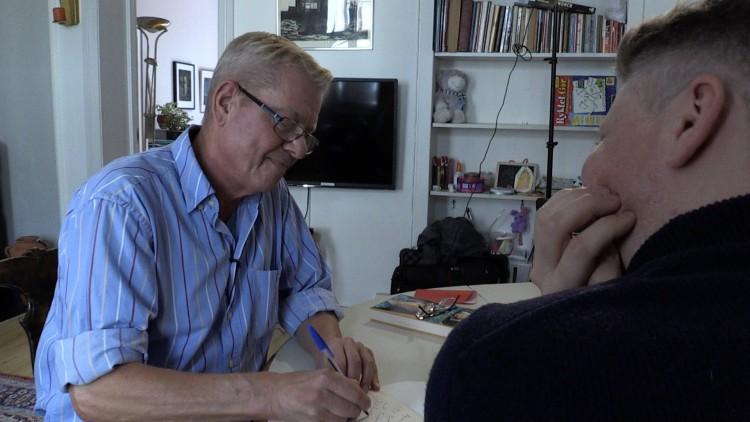 LIVSMINNEINTERVJUER: Den profilerte forfatteren Gudmund Vindland ble intervjuet av Bjørn André Widvey fra Skeivt arkiv i vår.