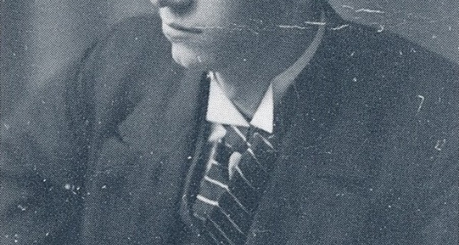 "Alf Martin Jæger som ung. Bildet er frå boka Anders Ole Hauglid: ""Balsfjorden og Malangens historie, 1830-1920: Fram mot økt sjølstyre"". Bind 2, 1991, s. 536. Fotograf ukjend."