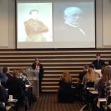 Tone Hellesund presenterer skeiv historie under Fris landsmøte i april