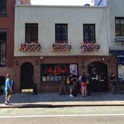 Stonewall Inn ble stengt relativt kort tid etter opptøyene, men en ny bar med samme navn åpnet i lokalene tidlig på 90-tallet. Foto: Skeivt arkiv